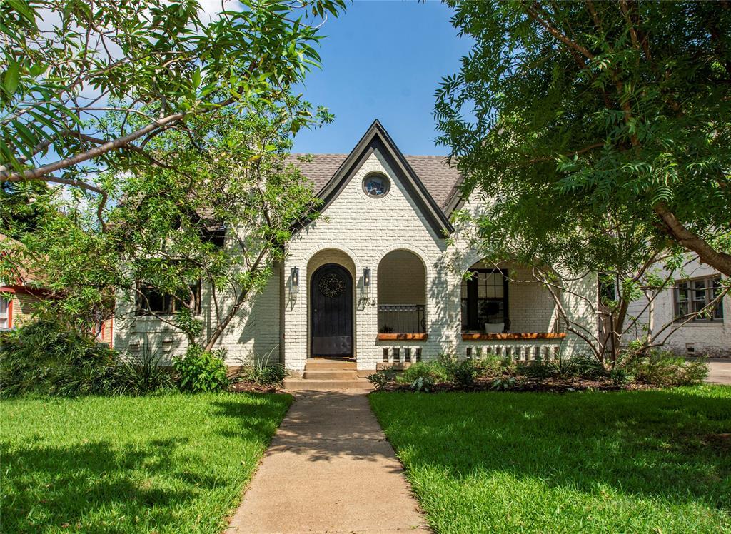 Dallas Neighborhood Home For Sale - $699,000