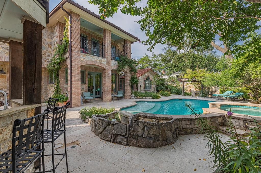Dallas Neighborhood Home For Sale - $2,800,000