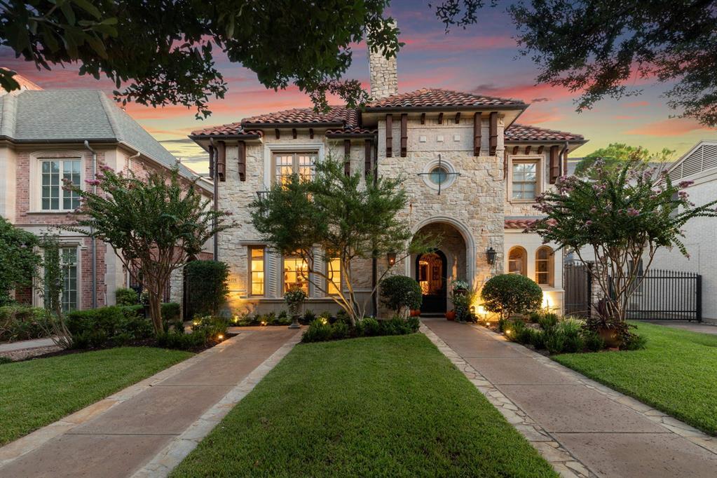University Park Neighborhood Home For Sale - $1,185,000