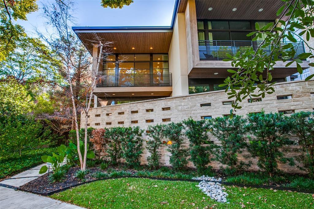 Dallas Neighborhood Home For Sale - $1,669,000